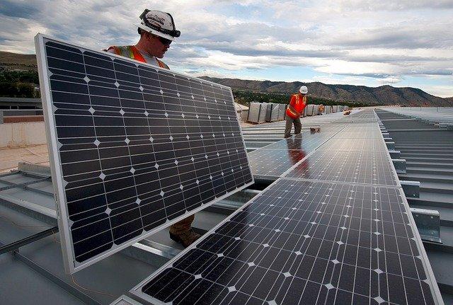 Zonnepanelen op kantoor: is subsidie mogelijk?